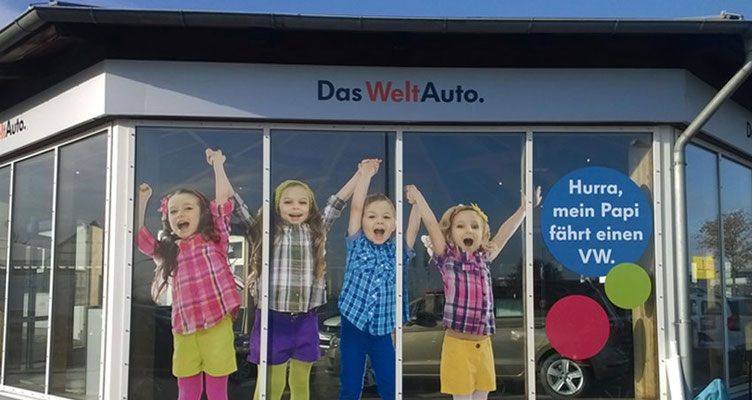 Verklebung der Fensterfronten VW Autohaus Bautzen