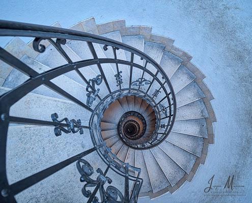 Wenteltrap toren Sint-Stefanusbasiliek - Winding stairs St. Stephens Basilica.
