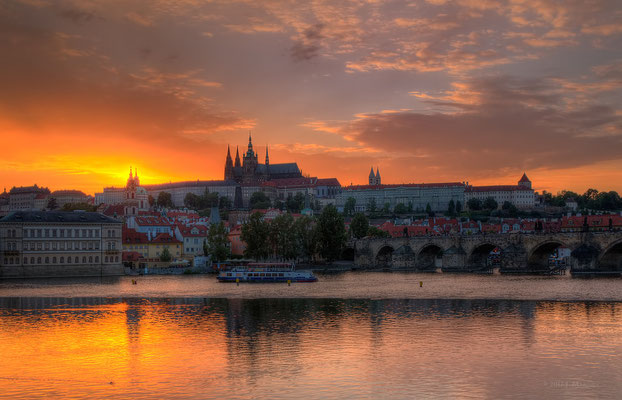Praag zonsondergang - Prague sundown.
