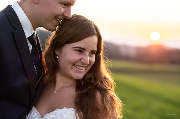 Romantische und natürliche Hochzeitsfotos