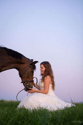 die Braut und ihr Pferd