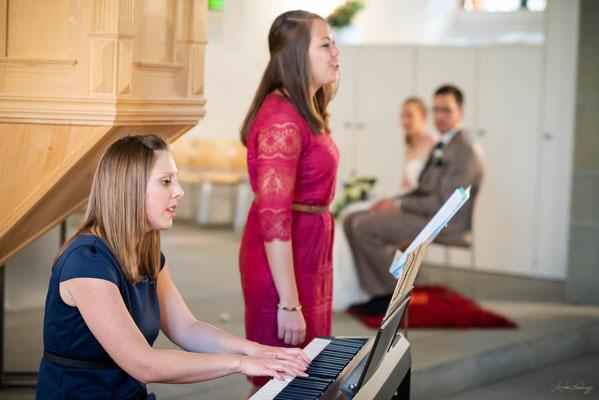 Sängerinnen Duo Sibylle Aebischer und Anne Badertscher, Hochzeit Kirche Wahlern, Schwarzenburg