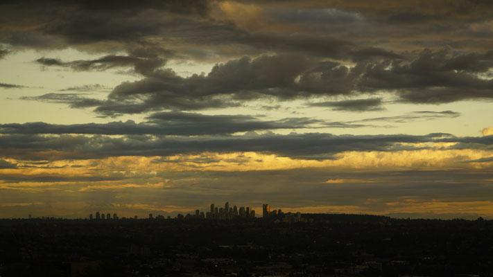 Sonnenuntergang über dem Ballungsraum von Vancouver