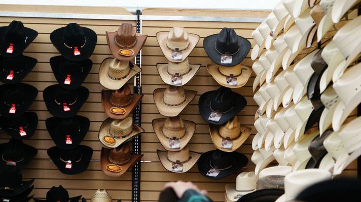 Cowboy Hüte gibt es in allen Variationen