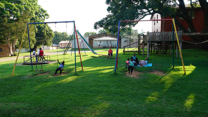 Ein Spielplatz im Kinderheim