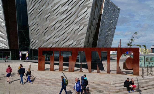 hier wurde die Titanic erbaut - vor ein paar Wochen musste die Werft Insolvenz anmelden