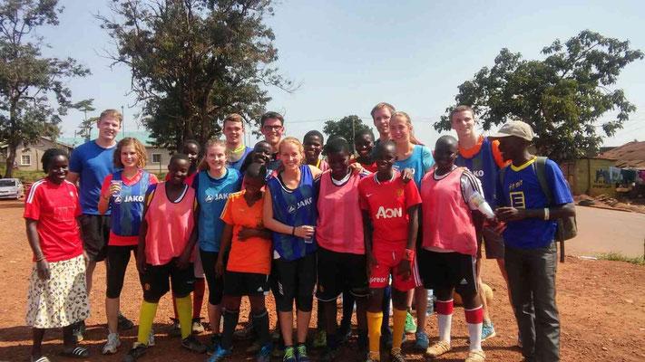 Danach waren wir ziemlich fertig - die Fußballmädels hingegen waren noch topfit!
