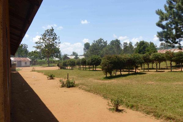 Schulhof bei Tumaini