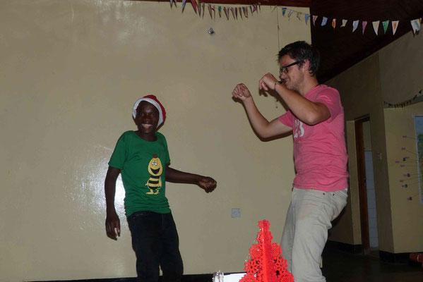 Mutta - leicht amüsiert von Philipps Tanzstil