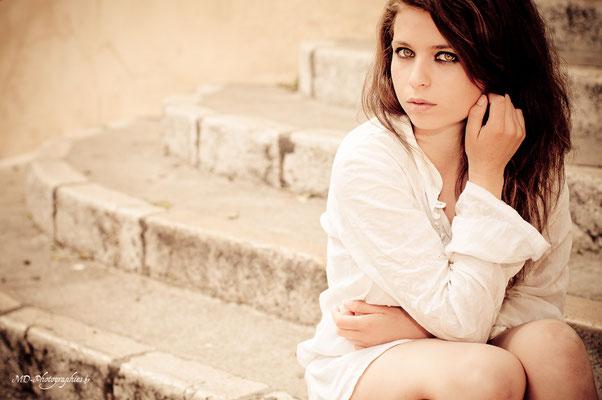 photo-photographe-portrait- extérieur-shooting-martigues-aix-marseille-chateauneuf-13220