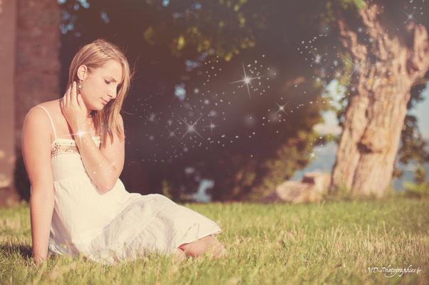 photo-photographe-portrait-femme-extérieur-lifestyle--shooting-martigues-aix-marseille-chateauneuf-13220
