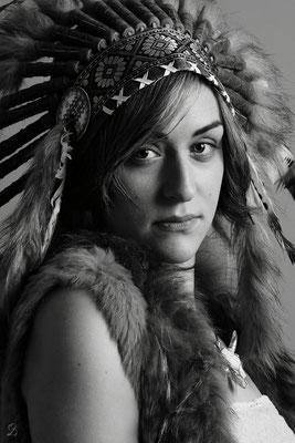 photo-photographe-portrait- femme- coiffe- indien- boheme-shooting-martigues-aix-marseille-chateauneuf-13220