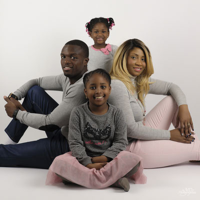 photo-photographe-portrait-famille- studio-lifestyle-istres-shooting enfant-martigues-aix-marseille-chateauneuf-13220