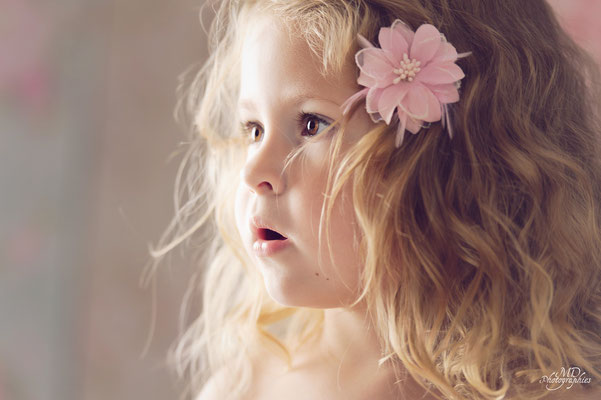 photo-photographe-portrait-enfant 2ans- studio-lifestyle-istres-shooting enfant-martigues-aix-marseille-chateauneuf-13220