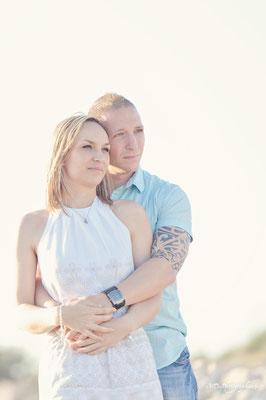 photo-photographe-portrait-couple- extérieur-lifestyle--shooting-martigues-la couronne-aix-marseille-chateauneuf-13220