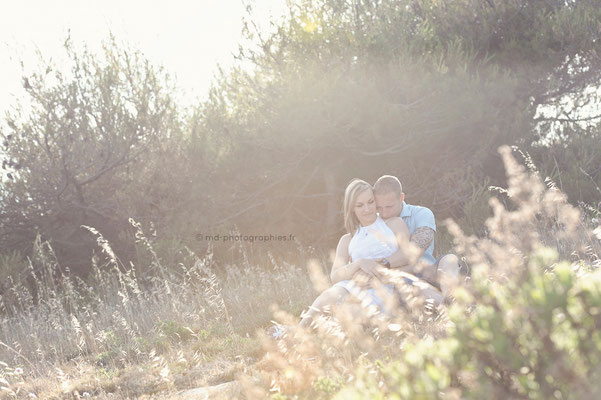 photo-photographe-portrait-couple- extérieur-lifestyle--shooting-martigues-aix-marseille-chateauneuf-13220
