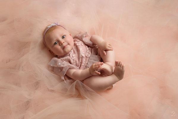séance photo bébé fille