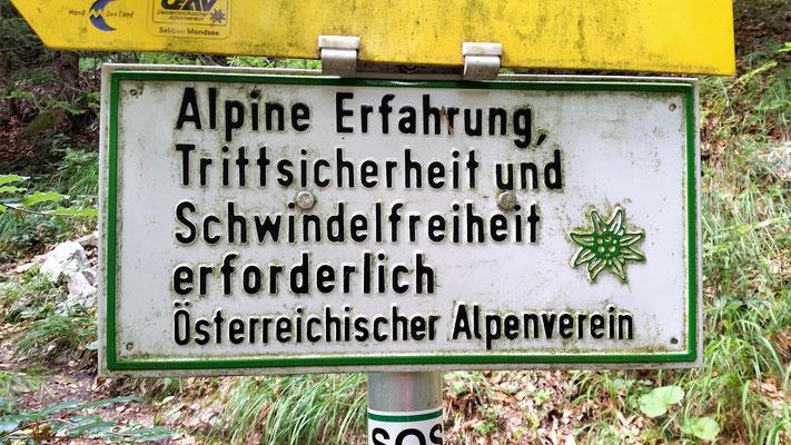 Ein Hinweisschild des Alpenvereins