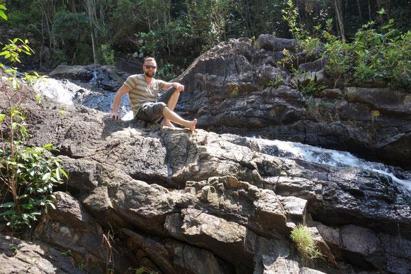 Ich auf dem Wasserfall
