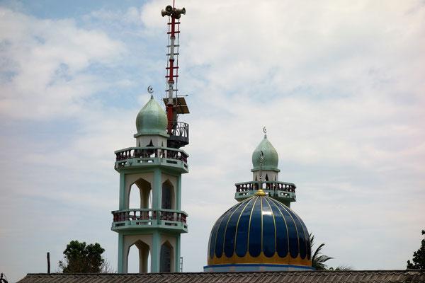 Die Moschee gegenüber