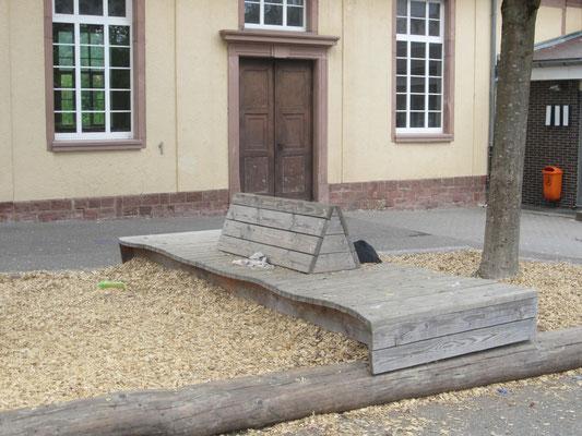 Sitzecke - vorderer Pausenhof