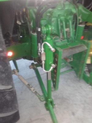 Brazo hidráulico para tractor