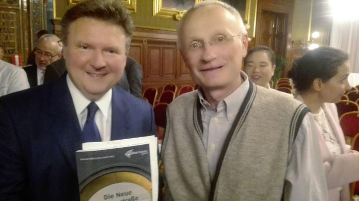 Mit dem Wiener Bürgermeister Ludwig bei einer Präsentation eines Buches über die neue Seidenstraße, an dem ich mirtarbeiten durfte