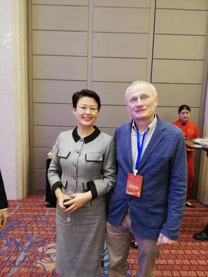 Mit der Vizebürgermeisterin der 10-Millionenstadt Jinan