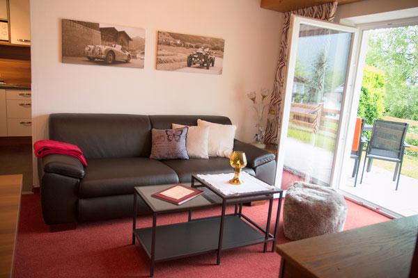 Wohnzimmer, hell und freundlich