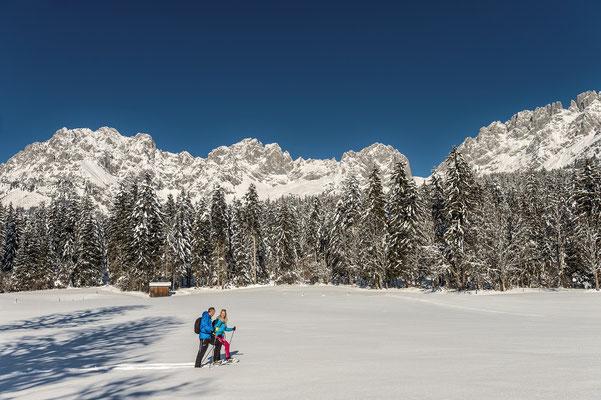 Schneeschuhwanderung durch frischen Pulverschnee