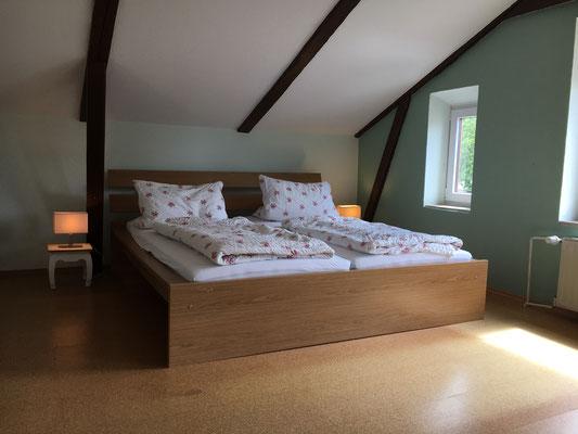 Großzügiges Schlafzimmer in der Eiderperle
