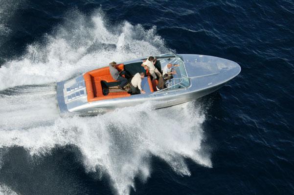 Nanoprotect Marine - Marinelack auf Cougar Yacht