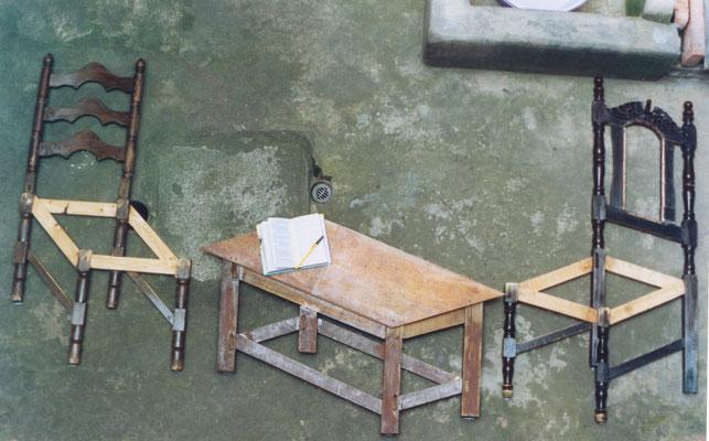 """""""Aún todavía. Un mobiliario paradójico"""". Muebles intervenidos. 2004"""