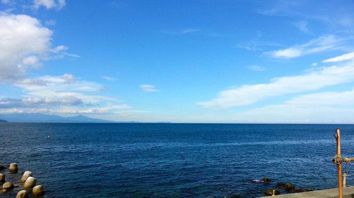 初島からの熱海