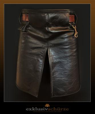 Lederschürze schwarz mit Schlitz und Karabiner