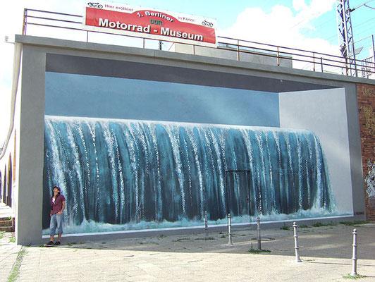 Wasserfall  Alexanderbögen/Rosa-Luxemburg-Straße Berlin-Mitte, 2008, Auftraggeber: Uwe Kobilke, Photo: Cornelia Beitl
