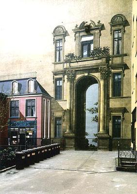 R E N A I S S A N C E - P O R T A L, Spandauer Damm 111-113 Berlin, 1979, Auftraggeber: Ehepaar Friedrich/München, Photo: Sen-Bau-Wohn.