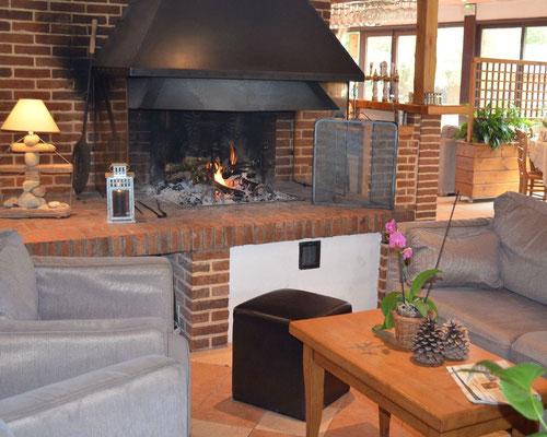 Coin cheminée du restaurant la Garinière