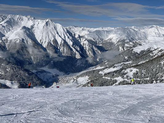 ... manchmal geht Frauchen Ski fahren ...