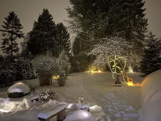 Abends schneit es und ...