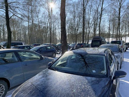 So voll haben wir den Parkplatz noch nie gesehen.