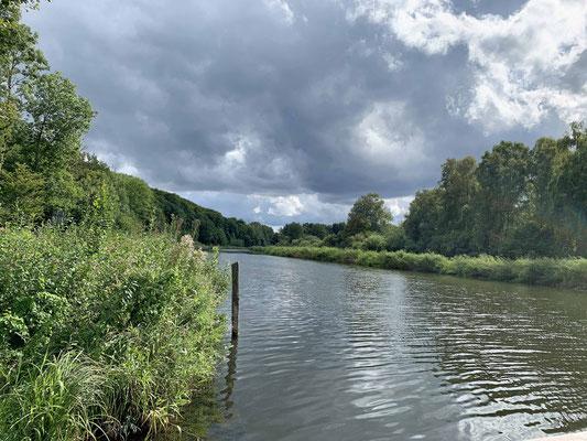 Der Elbe-Lübeck-Kanal ist doch gar nicht auf der Route  ?!?