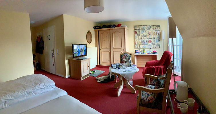 Zimmer haben wir auch; dies ist Frauchens Zimmer.