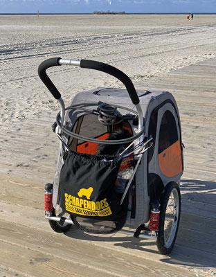 Das ist mein Strand-Auto mit dem Super-Sack von Susanne.