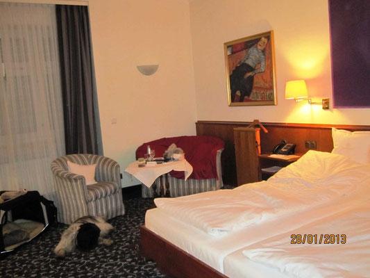 Auf dem Rückweg im Karpfen - mein(!) Zimmer - Nr. 121.