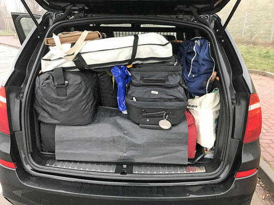 Das ist unser Kofferraum und ...
