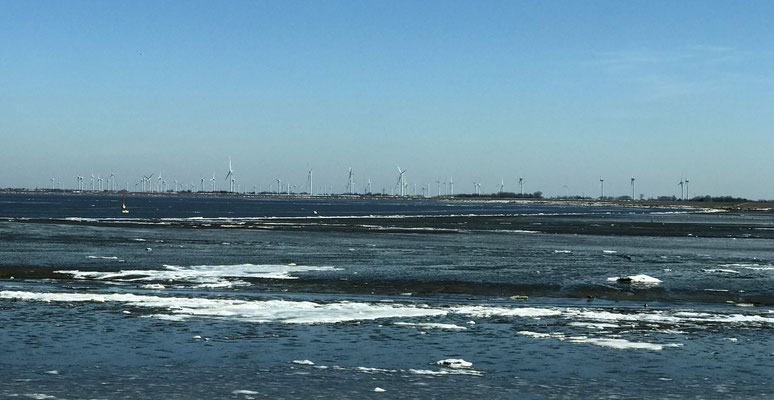 Eis am Eidersperrwerk