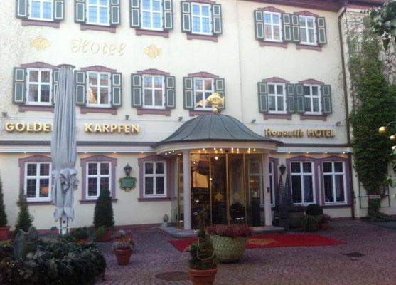 Wir waren wieder im Karpfen-Hotel.