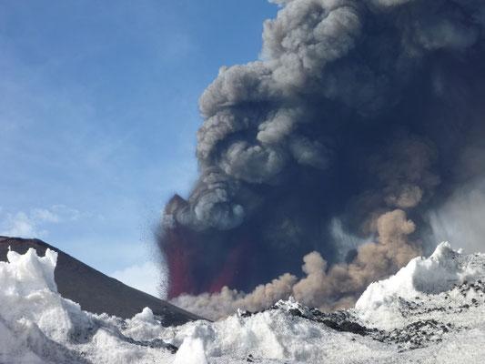 Ausbruch des Etna am 12.4.2012 - hautnah!