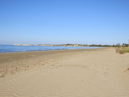 Der Strand von Granelli ist etwa 5 km lang